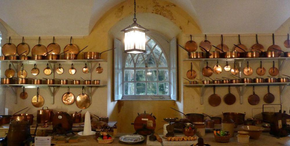 Inveraray kitchen pots